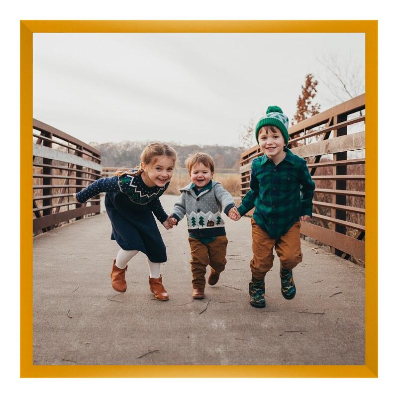 Foto vergrößern im Bilderrahmen Holz in gelb qu...