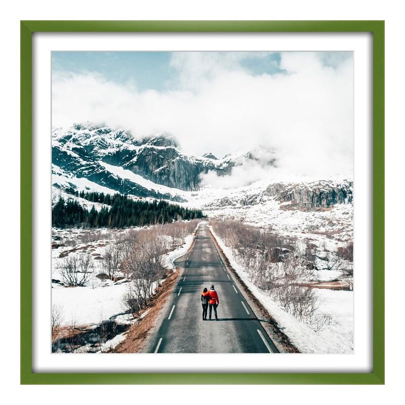 Foto im Holzbilderrahmen in grün im Format 24 x...
